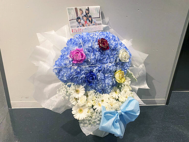 #ペンタプリズム 様のデビューライブ公演祝い花 ダイヤモンドモチーフ @神田明神ホール