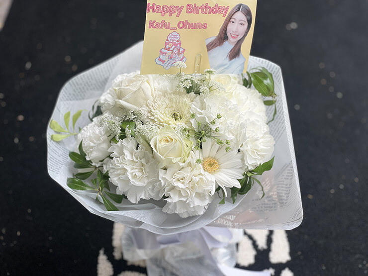 モイメメ。 桜子カフ様の生誕祭祝い花束 @六本木BIGHOUSE
