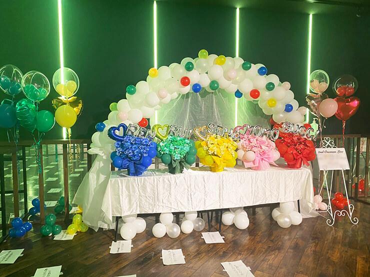 隣のアイツに恋してる!様の2ndワンマンライブ公演祝いバルーンアーチ+アレンジメント×5 @渋谷Studio Freedom